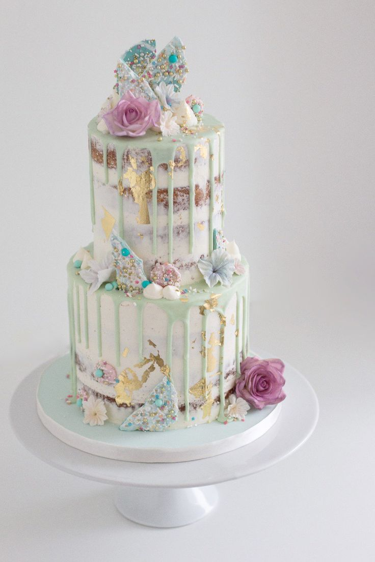 Wedding Cakes Inspiration Photo-Maleya.com Ideas  #luxuryweddingcakes #weddingcakeinspiration #weddingcakeideas  Photographer Quebec Canada @photomaleya