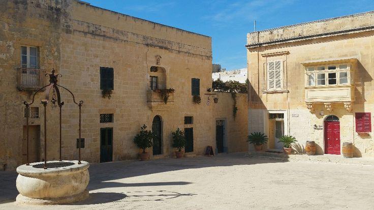 Piazza Mesquita, Mdina - Malta