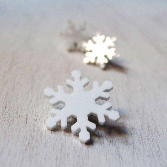 Spilla con cristallo di neve pin fiocco di neve di DARQCREATIONS