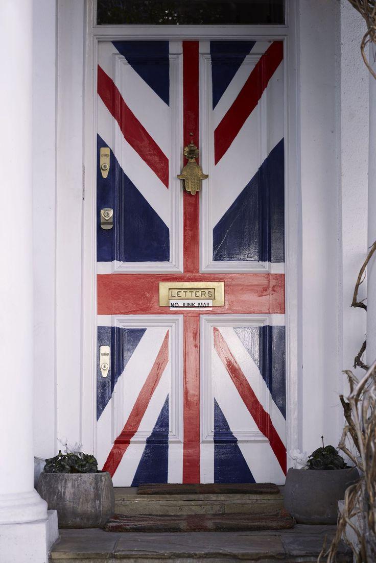 BUGATTI AUTUMN/WINTER 2016 I Union Jack all over - also a prominent and inspiring symbol in the sphere of design. #bugattifashion #unionjack #london