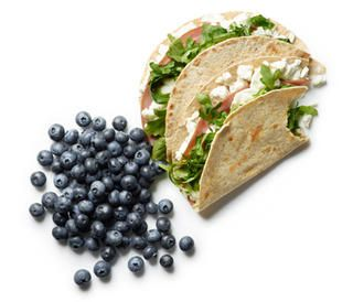 Greens, Eggs, and Ham Quesadillas http://www.rodalewellness.com/food/healthy-breakfast-recipes?slide=10