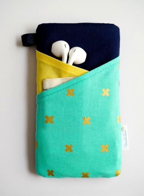 This modern phone case in bold royal blue, yellow, teal and gold colors makes a statement! Made to fit to your iPhone 6, iPhone 6 Plus, iPhone 5c