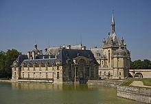 Château de Chantilly, du prince Louis II de Bourbon-Condé.- Condé Henri II: Titre: Prince de Condé (1649-1686). Autre titre:  Duc d'Enghein, duc de Bourbon, duc de Montmorency, duc de Châteauroux, duc de Bellegarde, duc de Fronsac, Comte de Sancerre, comte de Charolais, Seigneur de Chantilly, Premier Prince du sang. Prédécesseur: Henri II de Bourbon-Condé, successeur: Henri Jules de Bourbon-Condé. Allégeance: Royaume de France, Monarchie espagnole (1652-1659).
