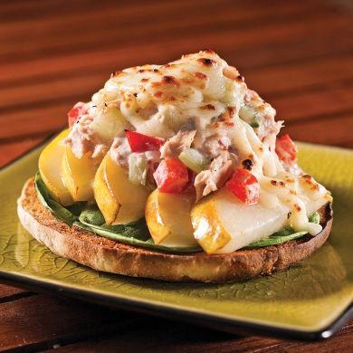 Sandwichs gratinés thon et poires - Soupers de semaine - Recettes 5-15 - Recettes express 5/15 - Pratico Pratique