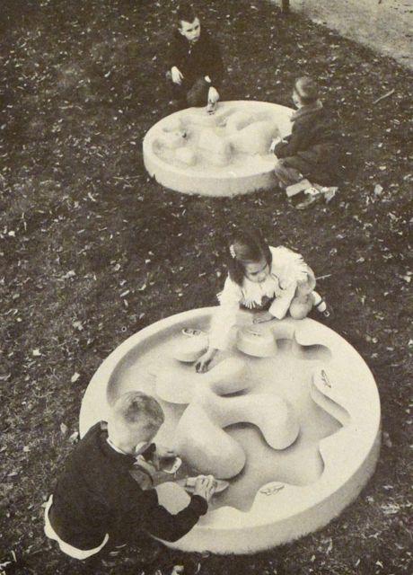 "MONDOBLOGO: creative playthings catalog - the awesome ""Play Puddle"""