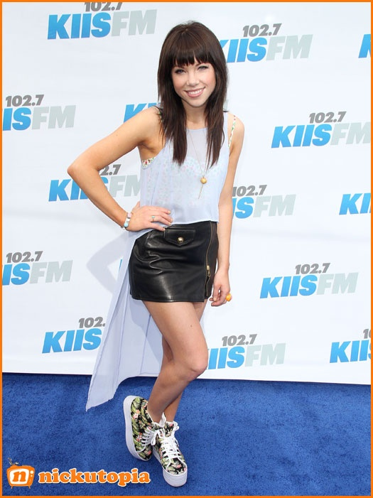 Carly Rae Jepsen Is Excited To Go On Tour With Justin Bieber