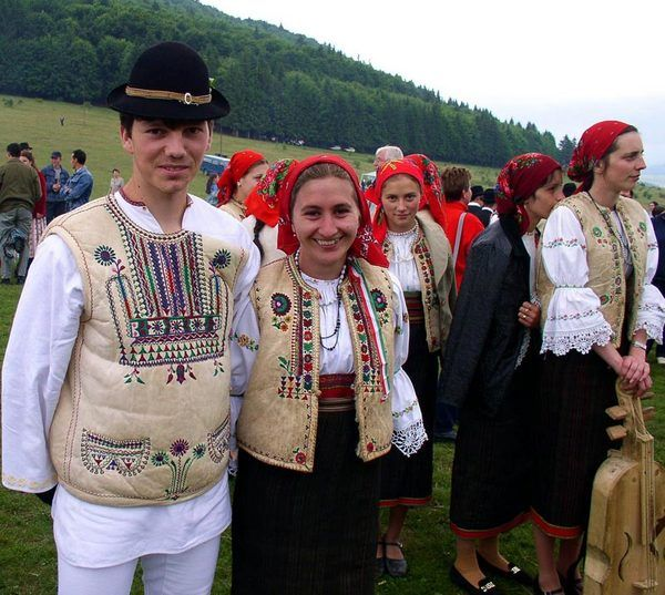 Gyimesi csángók - hungarian ethnographic group of Roman Catholic faith living mostly in the Romanian region of Moldavia, their traditional language, Csango, an old Hungarian dialect is still in use Fotó: Márton Kató