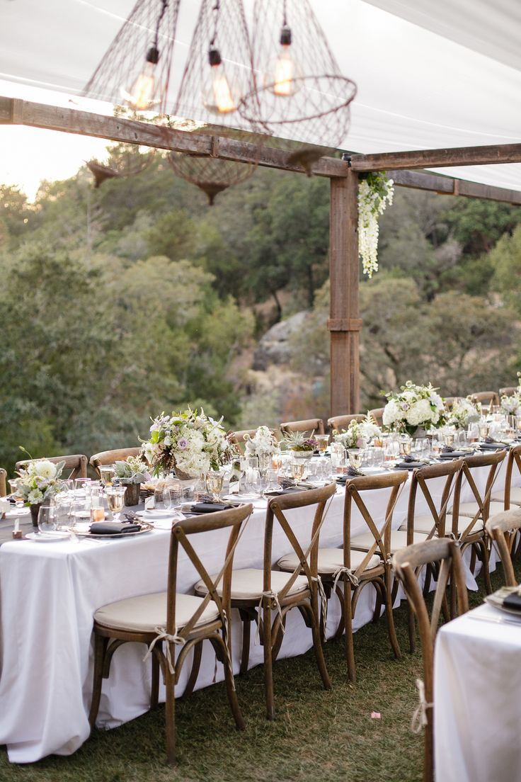 Long Dining Tables, Calistoga Ranch Wedding Reception On Lommel Lawn.  @fleursdefrance @juliekaykelly
