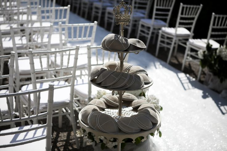 A detail of the Kippah's tower settled at the entrance of the ceremony