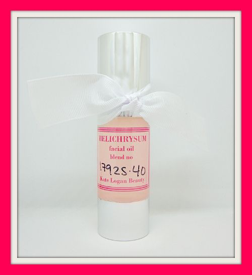 I created my soothing Helichrysum Facial Oil to help transform your skin in super quick time. Ultra sensitive skin needs to be treated with a very gentle touch indeed. This blend contains absolutely no essential oils, so even the most highly reactive of skin can use this with perfect ease.