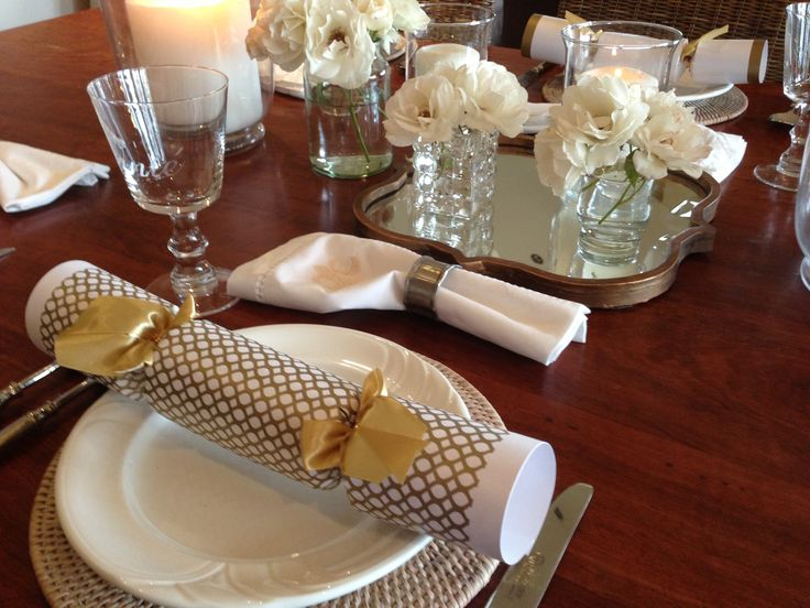 Getting ready for A beautiful Christmas lunch. Here I have used a mirror to decorate the table. love it!!