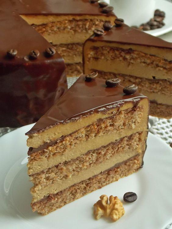 Tort orzechowy z kawą