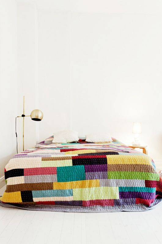 Love the colors: Ideas, Interior, Craft, Colorful Quilts, Quilt Idea, Bedroom, Design