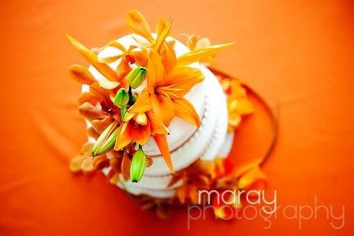Orange Round Wedding Cakes Photos & Pictures - WeddingWire.com