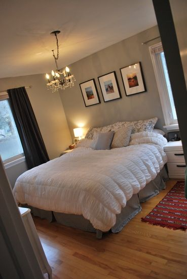 hanging three picture frames above the bedgood for a bed with no headboard - Bed Frames Without Headboard