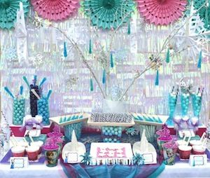 Frozen Birthday Party Decorations and Tableware