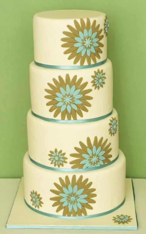 Retro Wedding: Cakes Ideas, Kitchens Curtains, Kitchens Colors, Erica Opened, Cakes Inspiration, Opened Cakes, Retro Cakes, Beautiful Cakes, Wedding Cakes Design