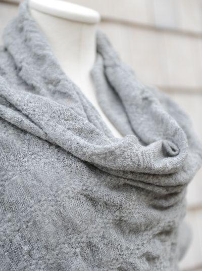 Nohelia Shawl | Grey - Le fil rouge Textiles