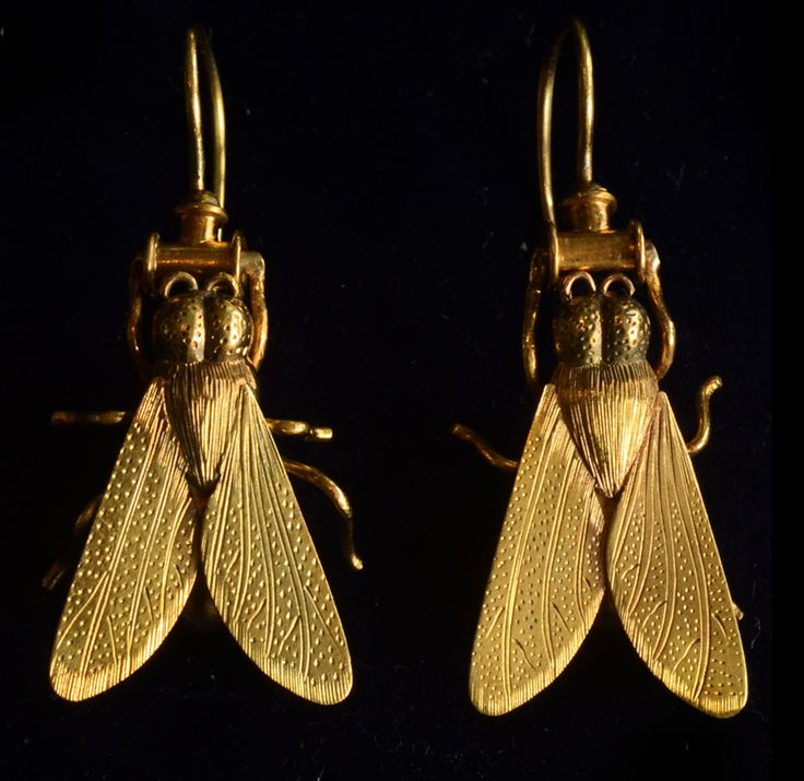 1870-80s English Victorian Fly Earrings, 18K Gold