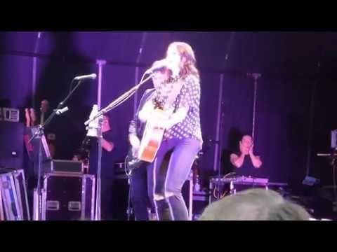 Amy Macdonald 4.8.2017 Zitadelle Mainz - YouTube
