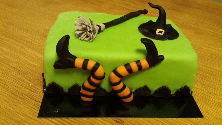 Cake with witch
