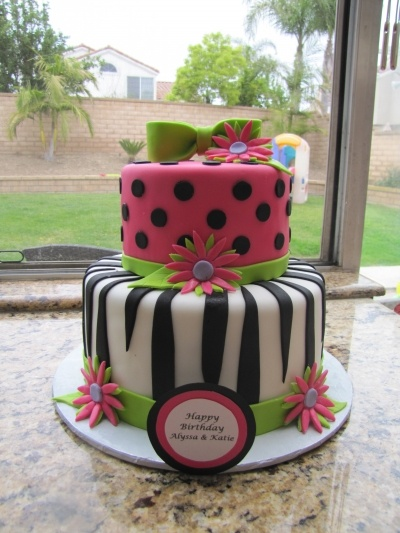 Great pre-teen girl cake. Hot Pink, Zebra Birthday cake By cakeblondie on
