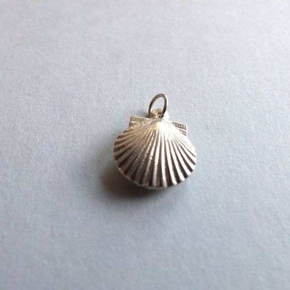 Vintage Sterling Silver Shell Pendant by PortugueseVintage on Etsy
