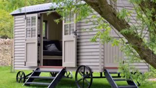 David Cameron buys 25000 garden shed 'to write in'