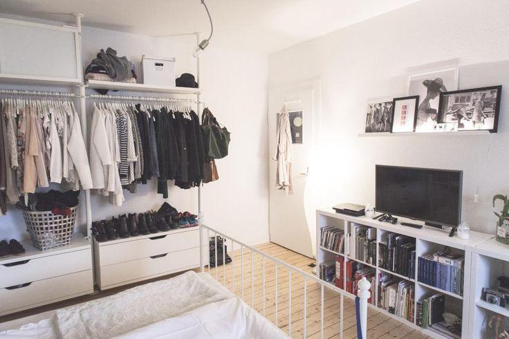 die besten 25 offener kleiderschrank ideen auf pinterest kleideraufbewahrung offen. Black Bedroom Furniture Sets. Home Design Ideas