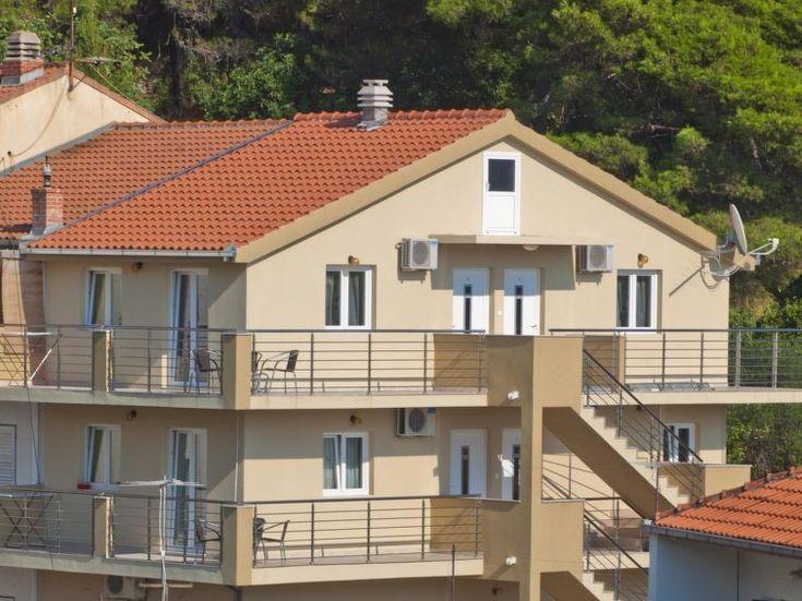 Ferienwohnung Alma für 4 Personen  Details zur #Unterkunft unter https://www.fewoanzeigen24.com/kroatien/splitsko-dalmatinska/21327-podgora/ferienwohnung-mieten/47325:-1173175342:0:mr2.html  #Holiday #Fewoportal #Urlaub #Reisen #Podgora #Ferienwohnung #Kroatien