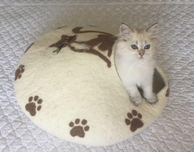 Felt cat cave