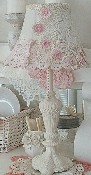I love this lamp with doilies on the shade...would be fun to make this for Trinity's room.