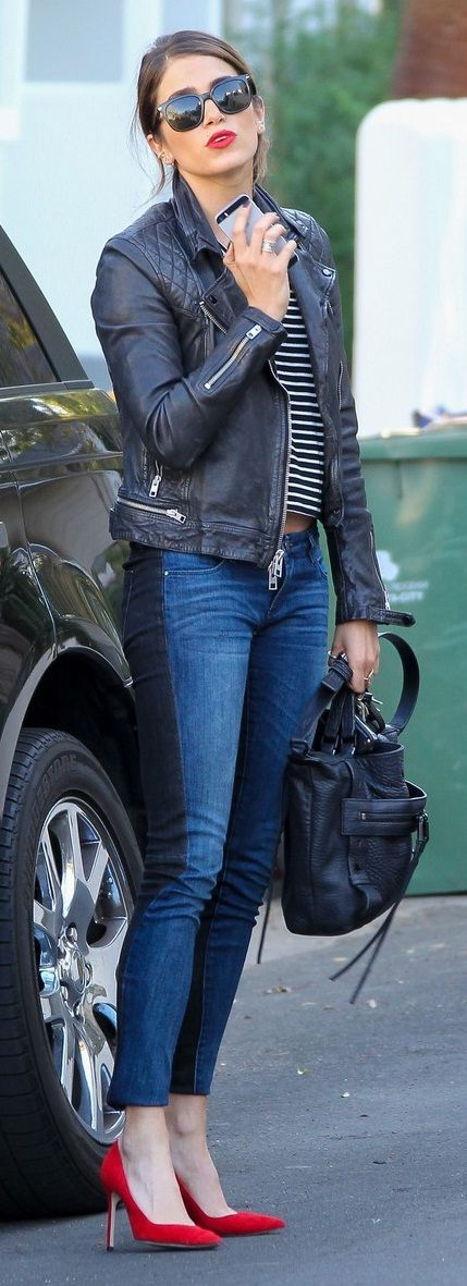 look super perfecto, zapatos rojos, jeans, chaqueta de cuero SUPER CHIC #Nikki