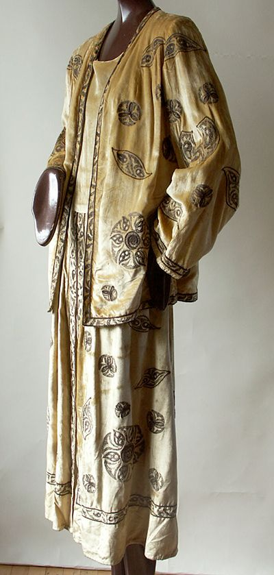 This is a dress and jacket from the House of Madame Babani. 1920