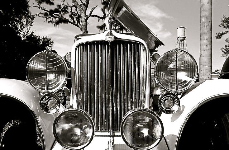 Foto gratis de un coche MG antiguo