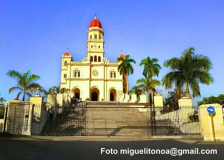 Today Sep 08 is day of the Patrón Saint of Cuba, la Virgen de la Caridad. Thousands of people flock to El Cobre.