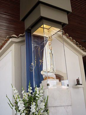 Virgen de Fátima. The canonically crowned image of Our Lady of Fátima enshrined within the Chapel of Apparitions Location	Fátima, Portugal Date	13 May - 13 October 1917 Type	Marian apparition Holy See approval	Pope Pius XII Pope John Paul II Shrine	Sanctuary of Our Lady of Fátima, Fátima, Portugal