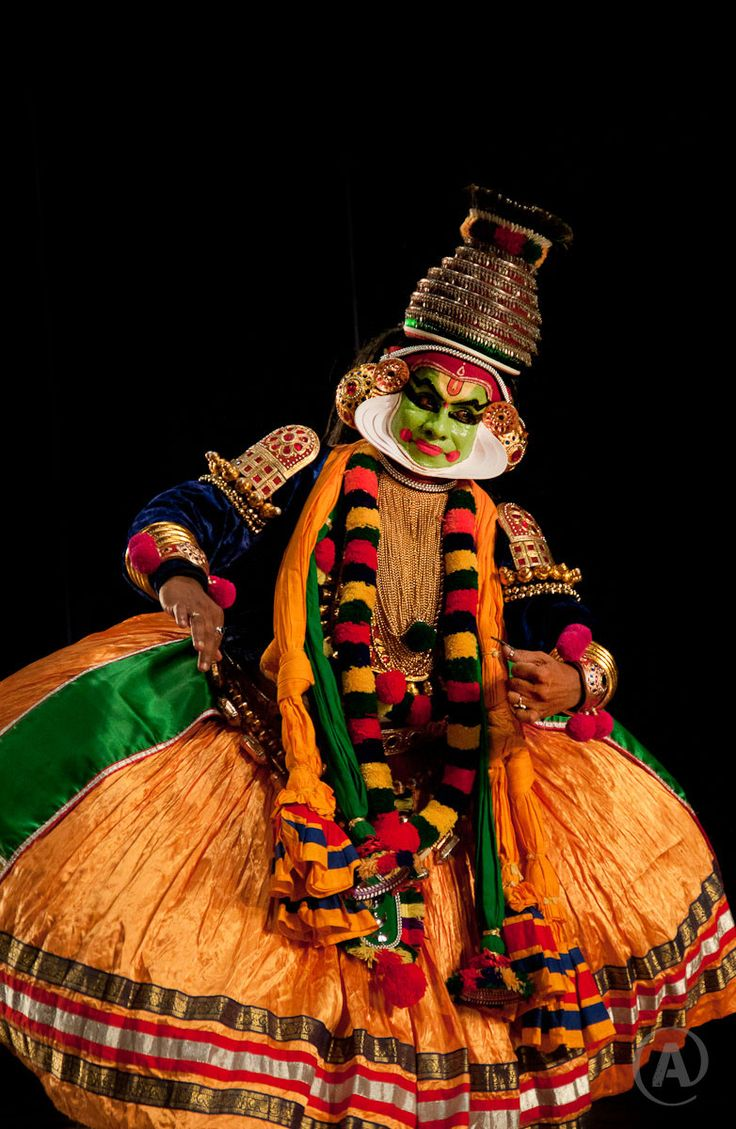 Kathakali- Dance form from southern part of India, Kerala                     © All rights reserved