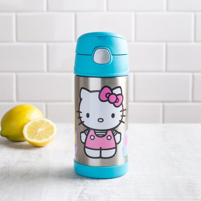 Hello Kitty, goodbye thirst! With a built in straw, double wall vacuum insulation and a push button lid, you'll want to take this Thermos wherever you go.