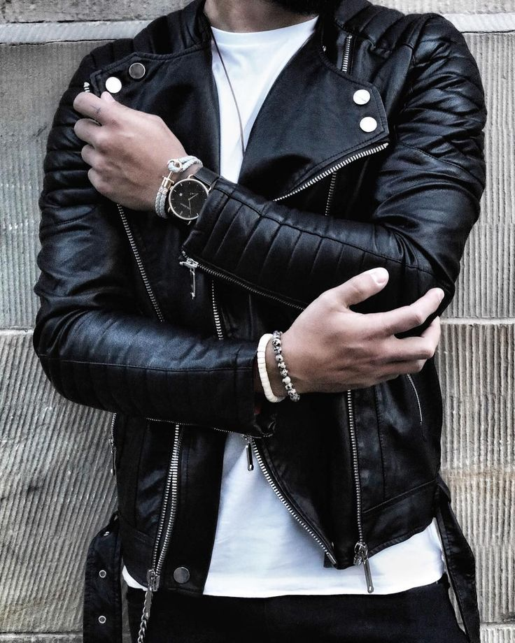 """1,519 Likes, 10 Comments - Street Style Men Fashion (@inspirations_streetwear) on Instagram: """"Amazing streetwear inspiration by our friend @massiii_22 """""""