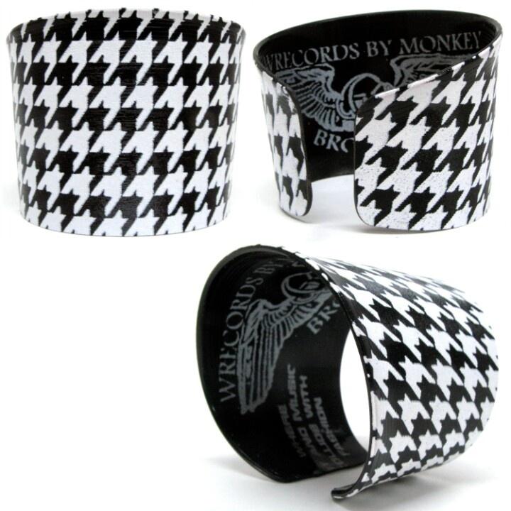 Houndstooth vinyl record bracelet - supermarkethq.com