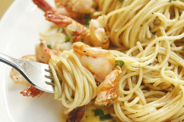 Zo maak je binnen 10 minuten een heerlijke pasta met garnalen