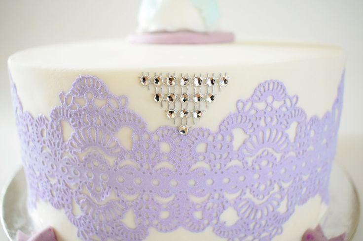 Laces cake
