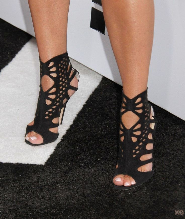 These are great looking heels