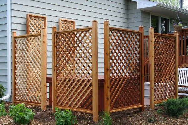 Metal garden privacy screen or trellis click photo for for Lattice screen fence