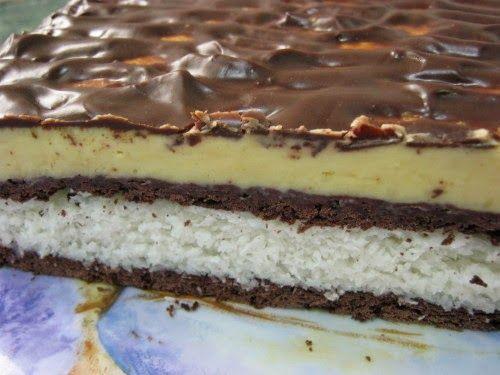 MaiKupon közösségi oldala : Kókuszos csokoládészelet vaníliakrémmel sütés nélkül, ínycsiklandó hideg finomság!