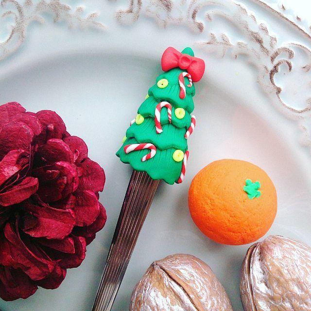 Сегодняшний снегопад переключил мой мозг на новогодний режим Не удержалась и начала к Новому году готовить ложечки)) кого же она ждет? ________________________ Все ложечки здесь ➡ #lerasandrovna_crafts #spoon #kitchen #cucina #kitchenwear #handmade #polymerclay #worldbestideas #icecream #cake #cupcakes #вкусныеложечки #ложечки #праздник #дети #торт #подарки #свадьба #идеи #мороженое #ручнаяработа #Казань #рукоделие #творчество #полимернаяглина #фигурки #лепнина