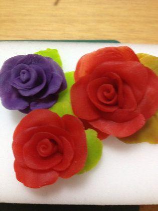 ハンドメイド:100均小麦粘土の簡単薔薇モチーフ