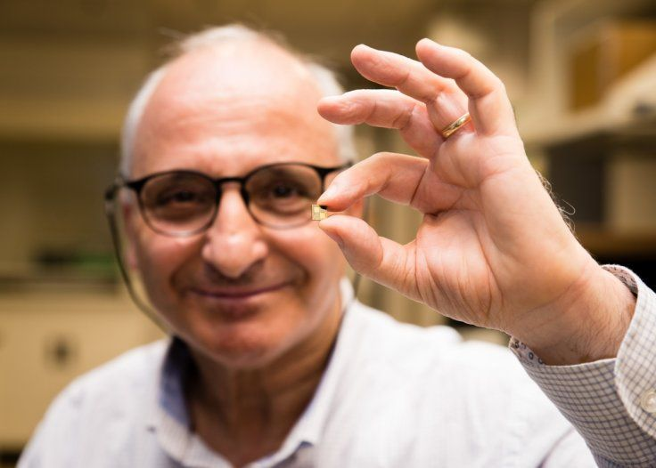 Singapore scientist develops smart chip that charges smartphones in less than 10 minutes | Lithium-ion battery pioneer Rachid Yazami has developed a smart chip that could power electric cars. [The Future of Batteries: http://futuristicnews.com/tag/battery/]