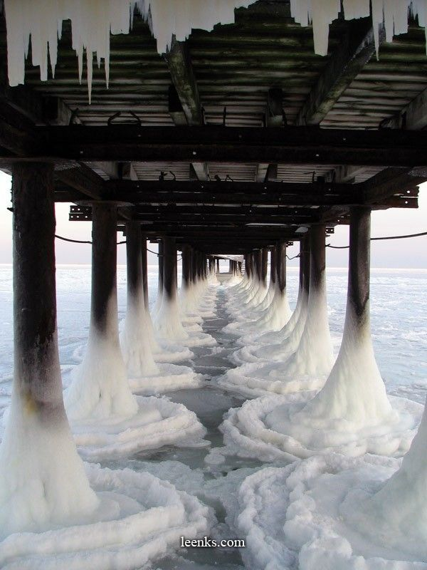Ice.: Photos, Random Pictures, Amazing Photography, Ice Ice Baby, Frozen Pier, The Ocean, Beautiful, The Bridges, Places